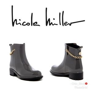 🆕️ Nicole Miller Chelsea Ankle Chain Rain Boot